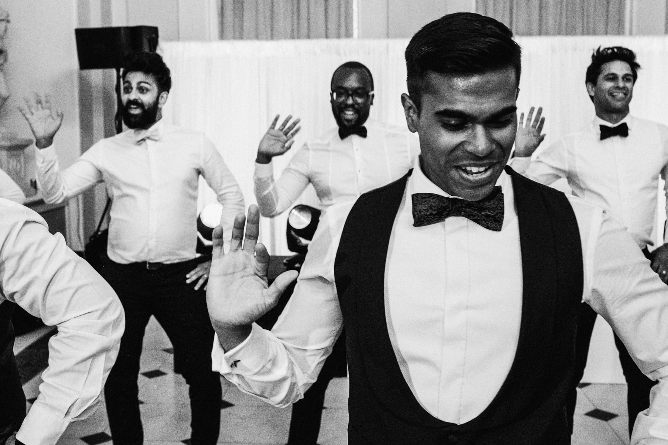 Groomsmen surprise dance