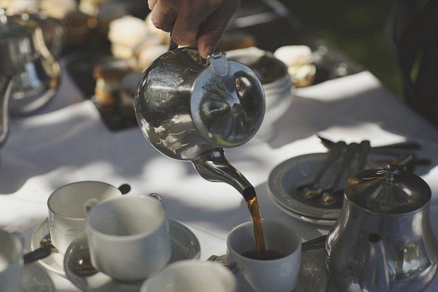 tea-and-cake-british-wedding-11