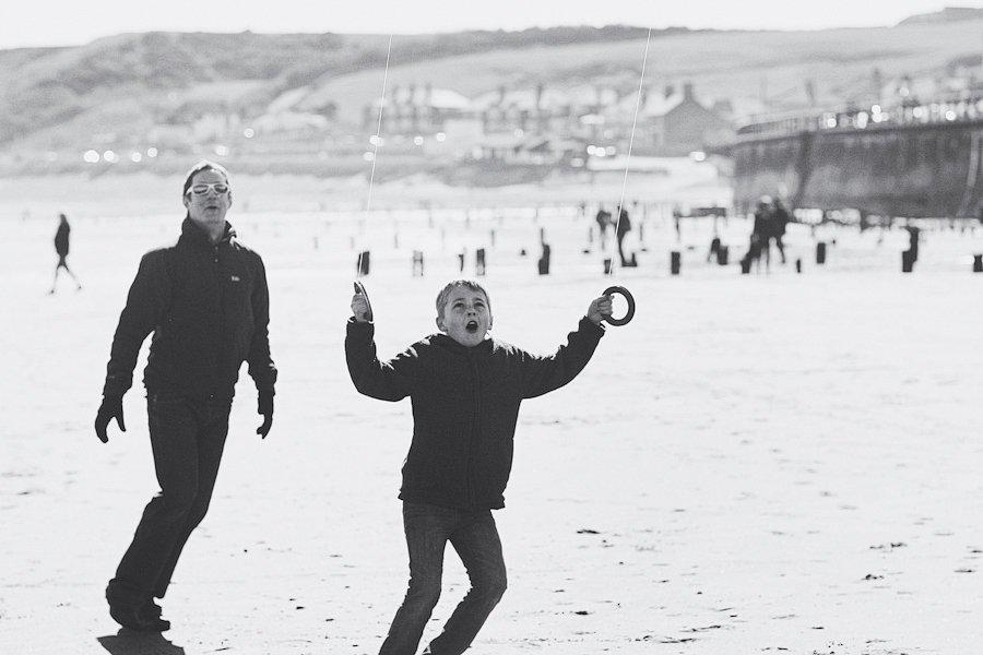 Sandsend-beach-portraits-family-12