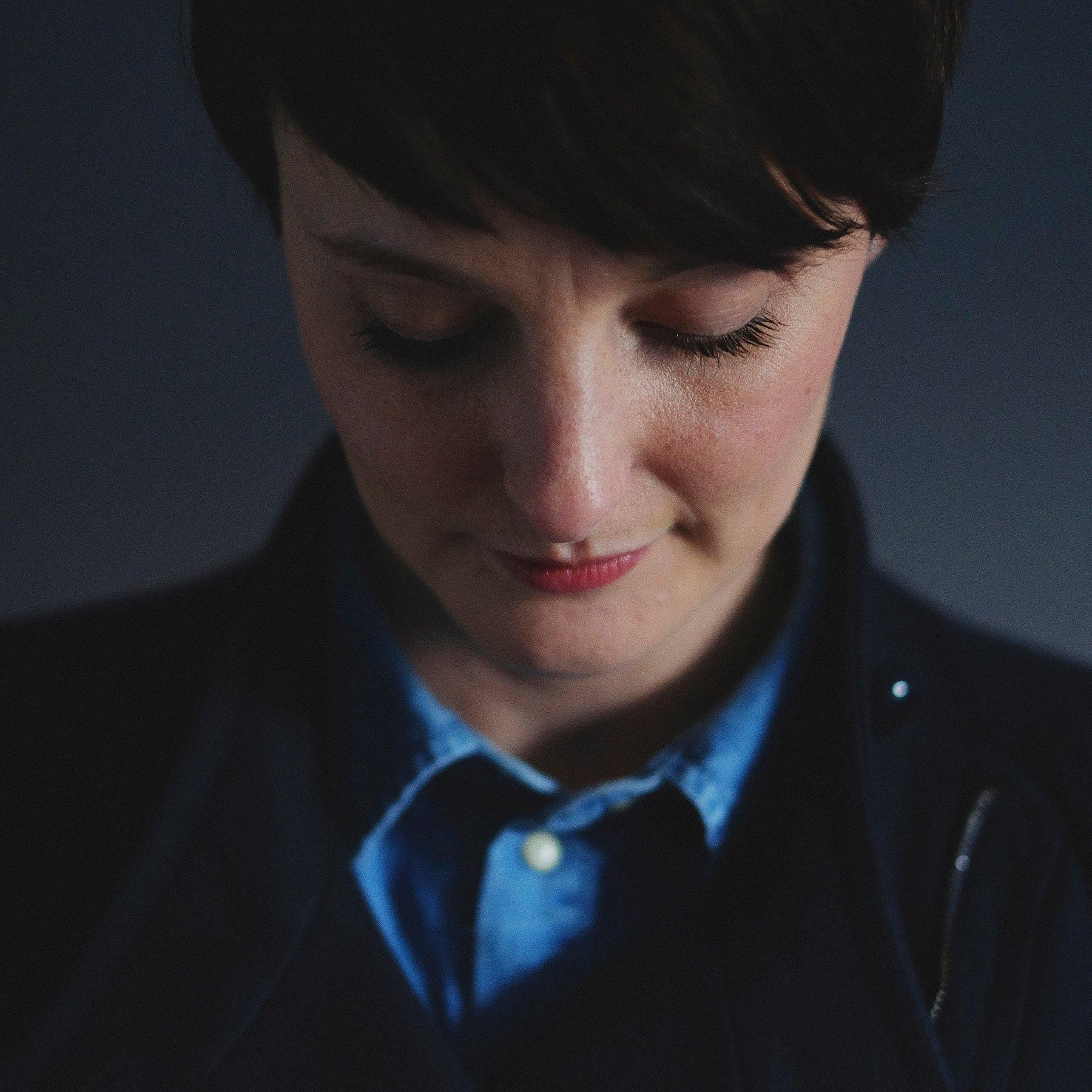 Headshot Victoria Farr
