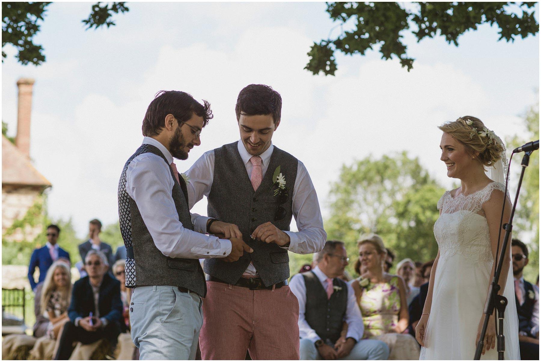 Kent-Festival-Tipi-wedding-photography_0071
