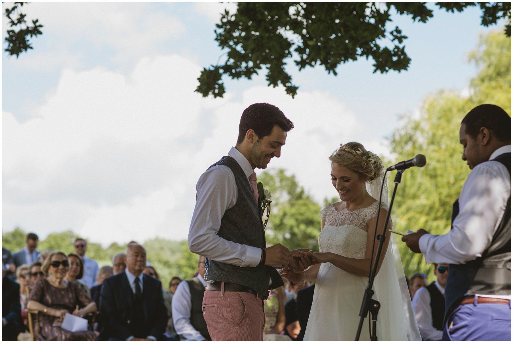 Kent-Festival-Tipi-wedding-photography_0072