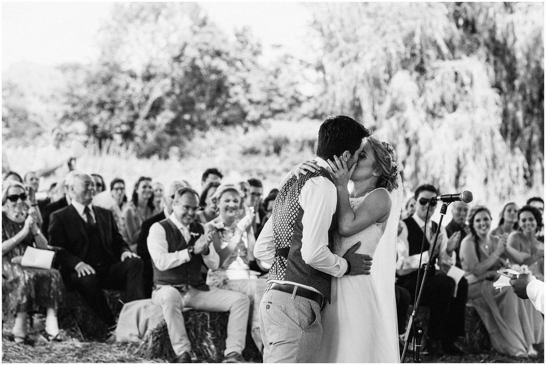 Kent-Festival-Tipi-wedding-photography_0075