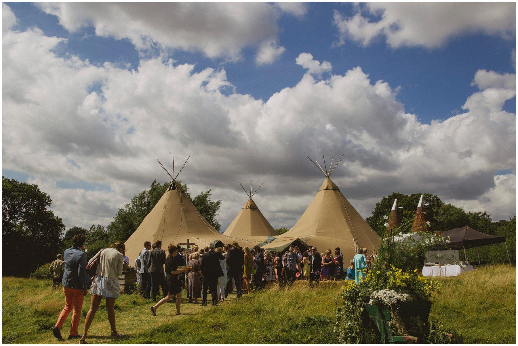 Kent-Festival-Tipi-wedding-photography_0090
