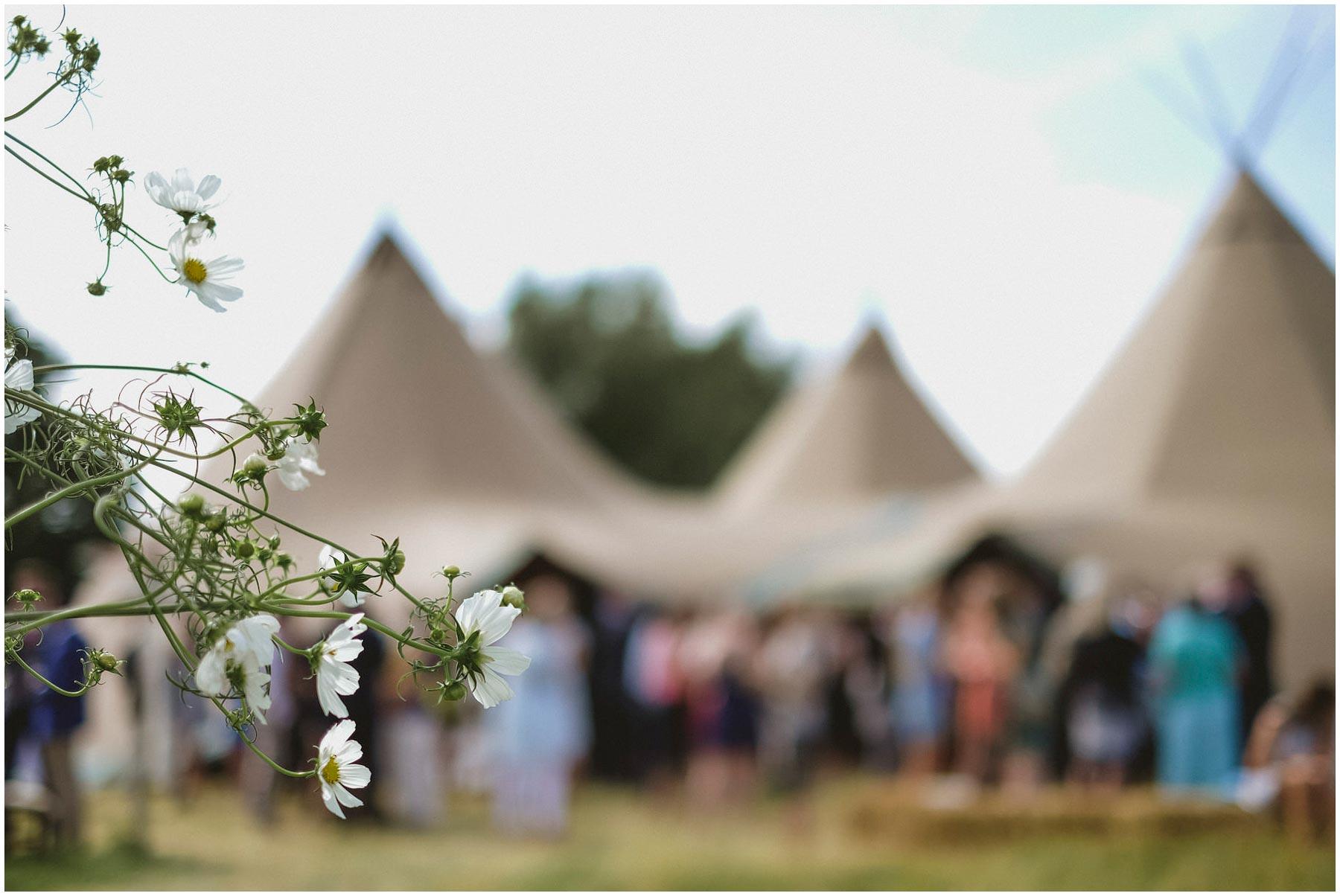 Kent-Festival-Tipi-wedding-photography_0096