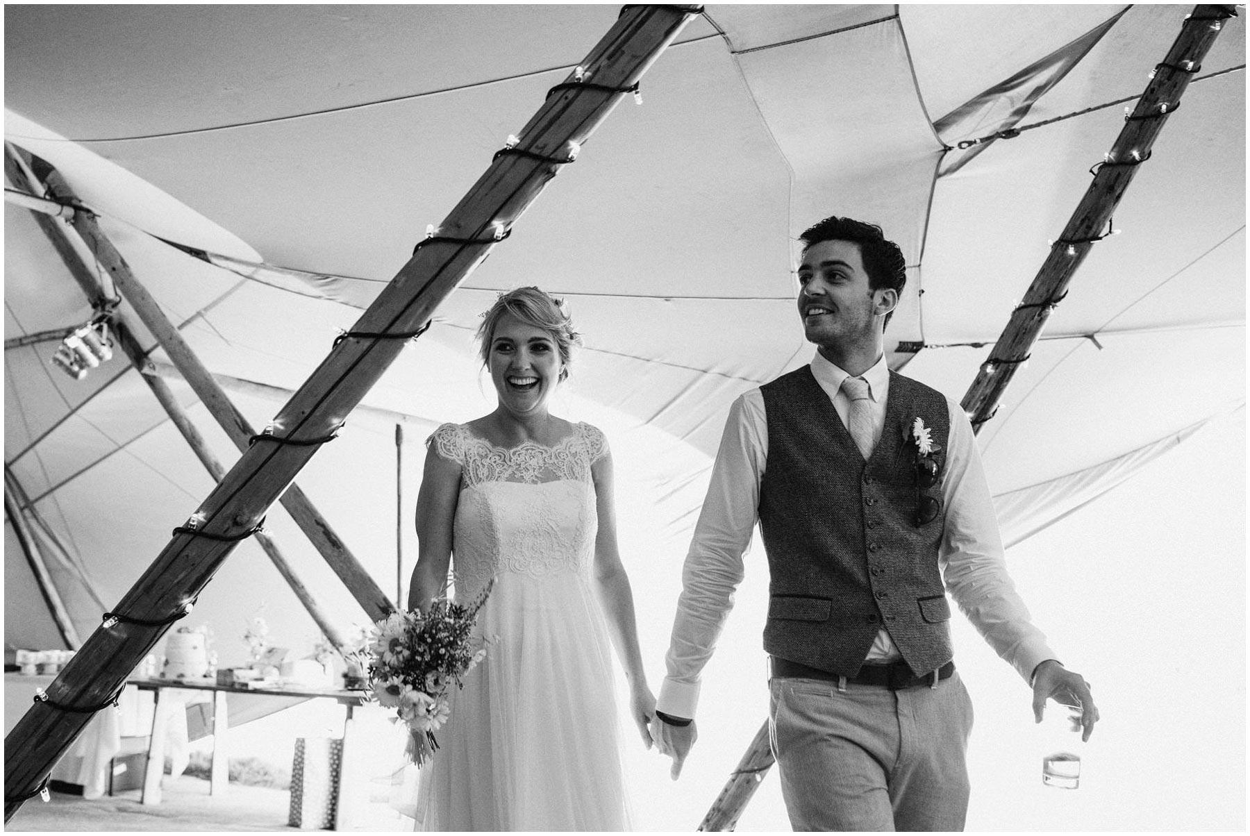 Kent-Festival-Tipi-wedding-photography_0109