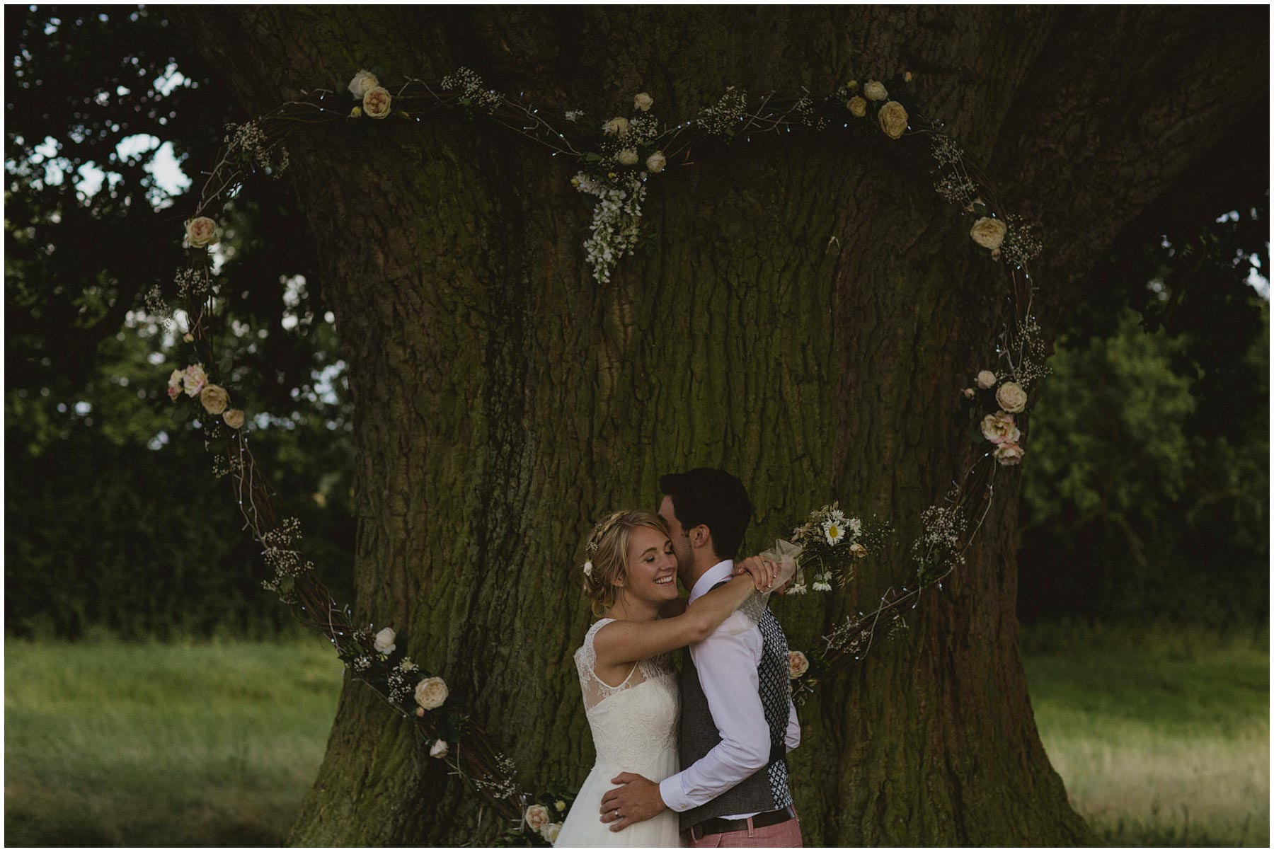 Kent-Festival-Tipi-wedding-photography_0144