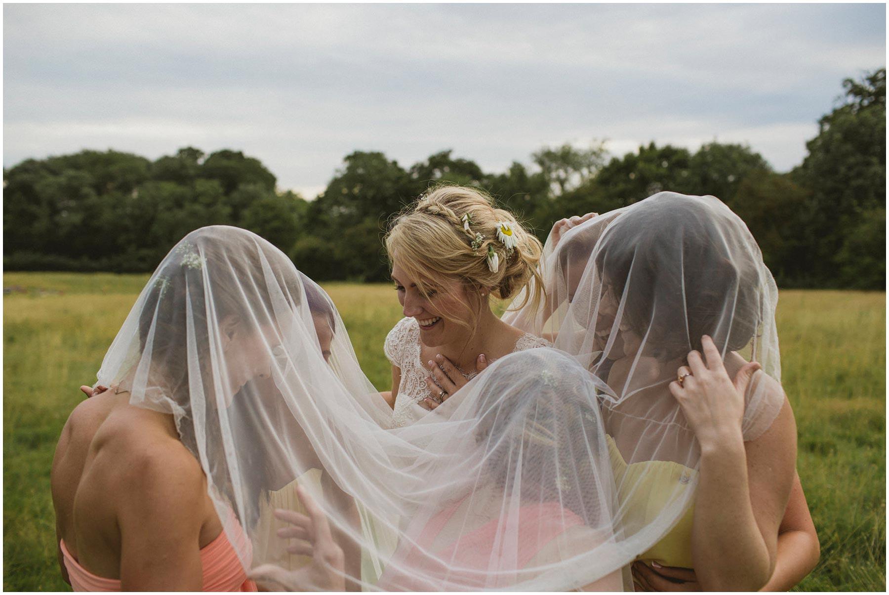 Kent-Festival-Tipi-wedding-photography_0158