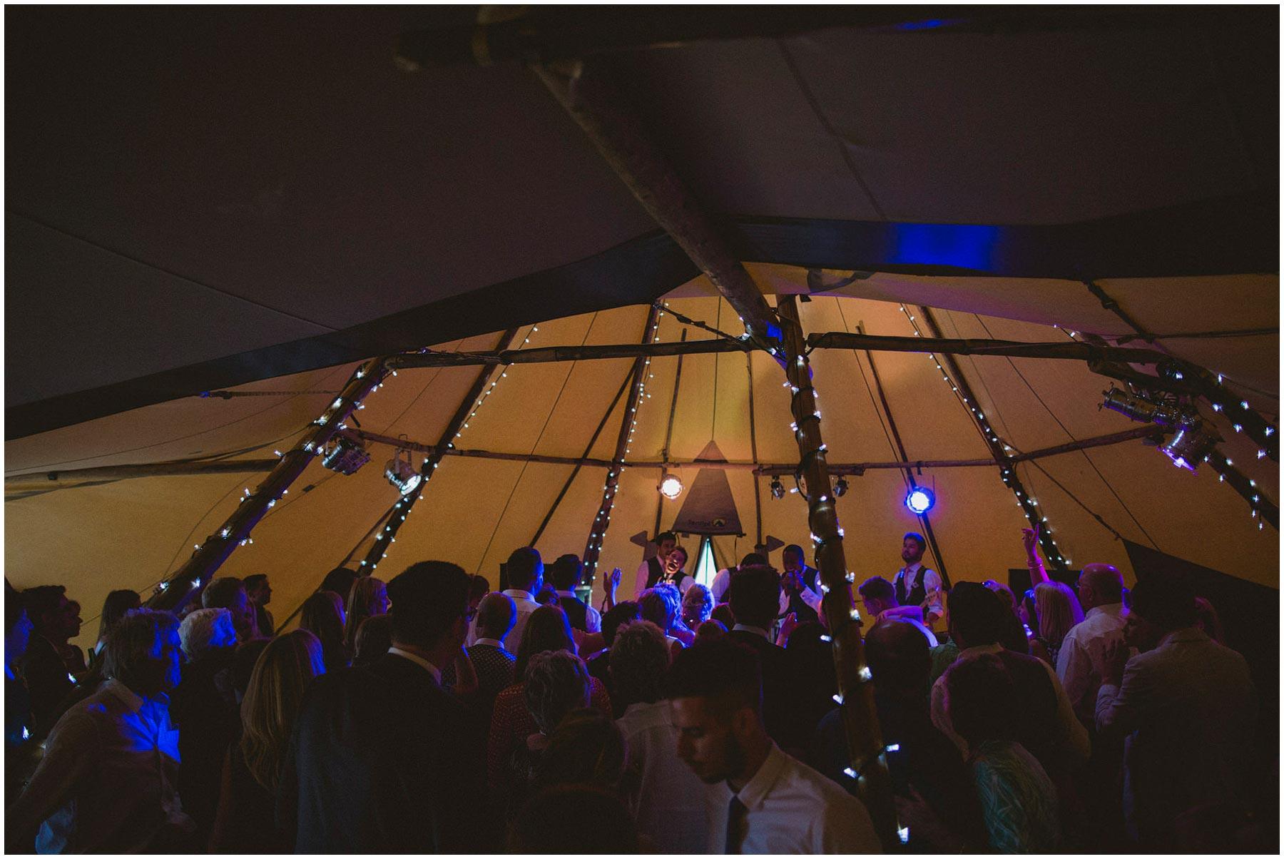 Kent-Festival-Tipi-wedding-photography_0168
