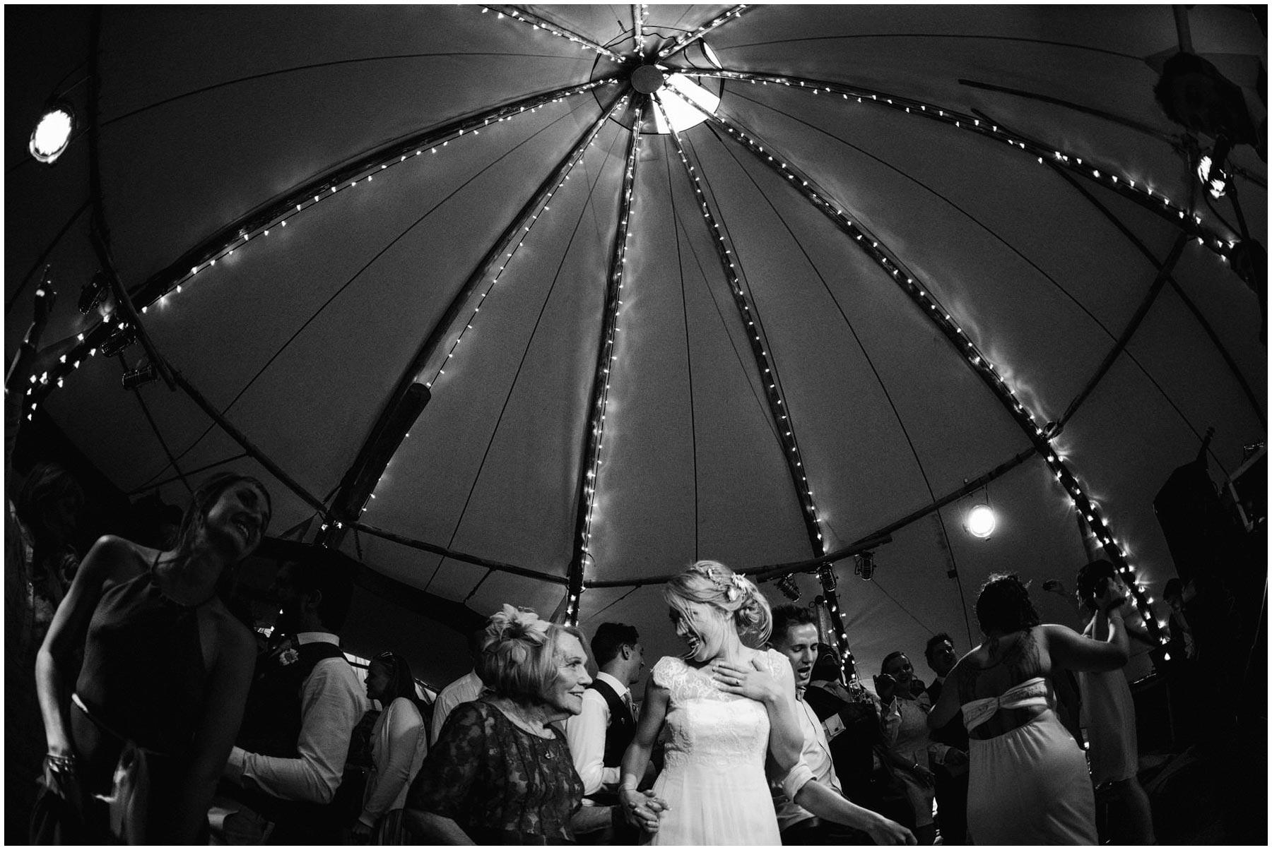 Kent-Festival-Tipi-wedding-photography_0175