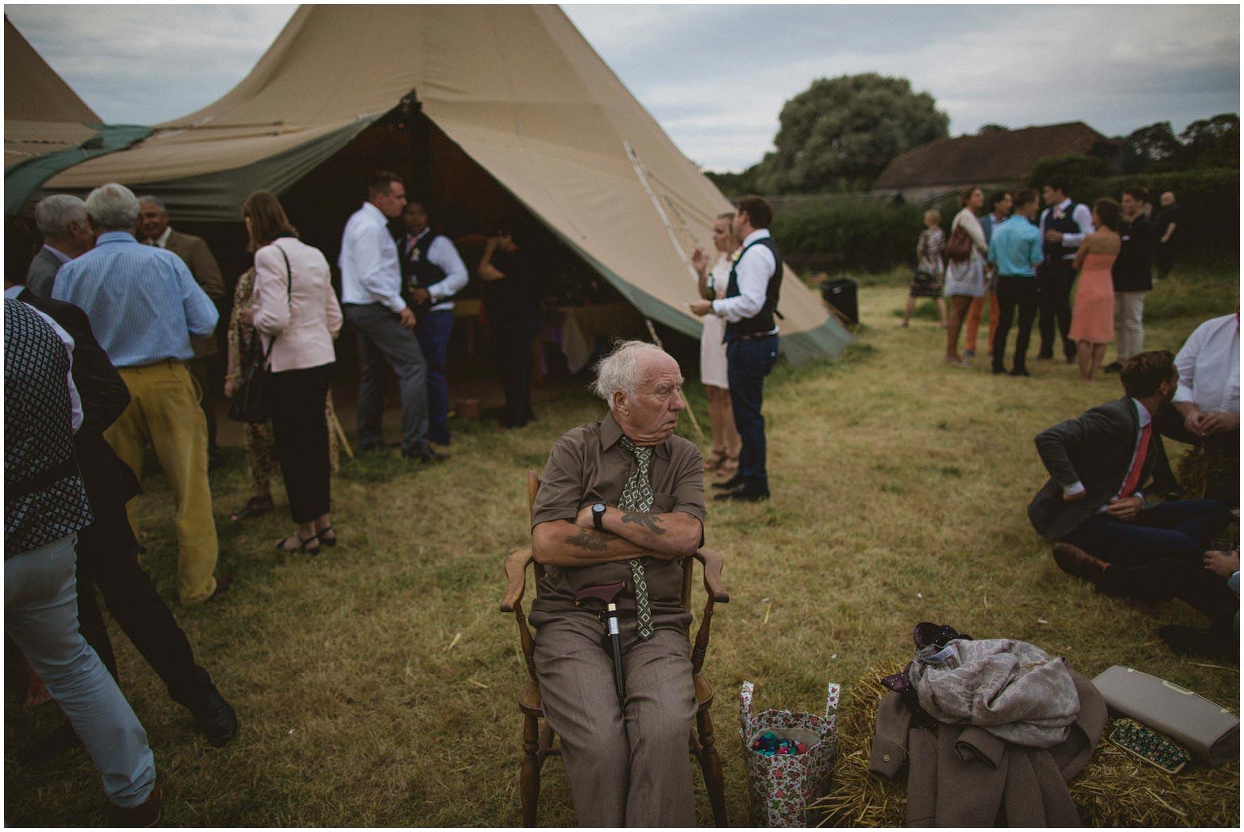 Kent-Festival-Tipi-wedding-photography_0177