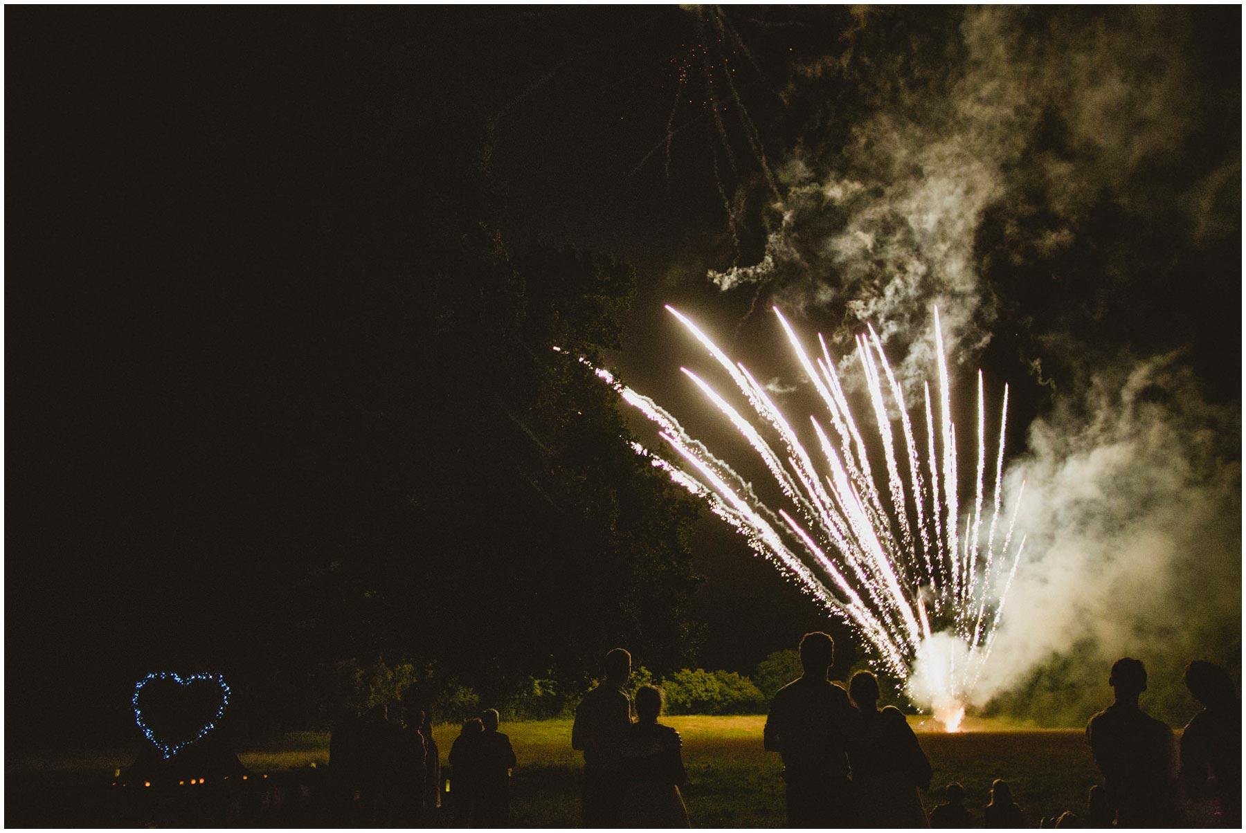 Kent-Festival-Tipi-wedding-photography_0196