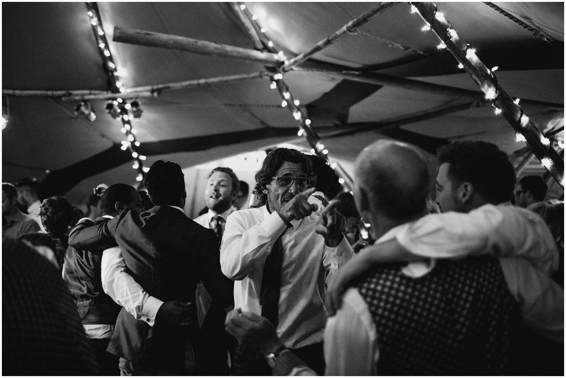 Kent-Festival-Tipi-wedding-photography_0200