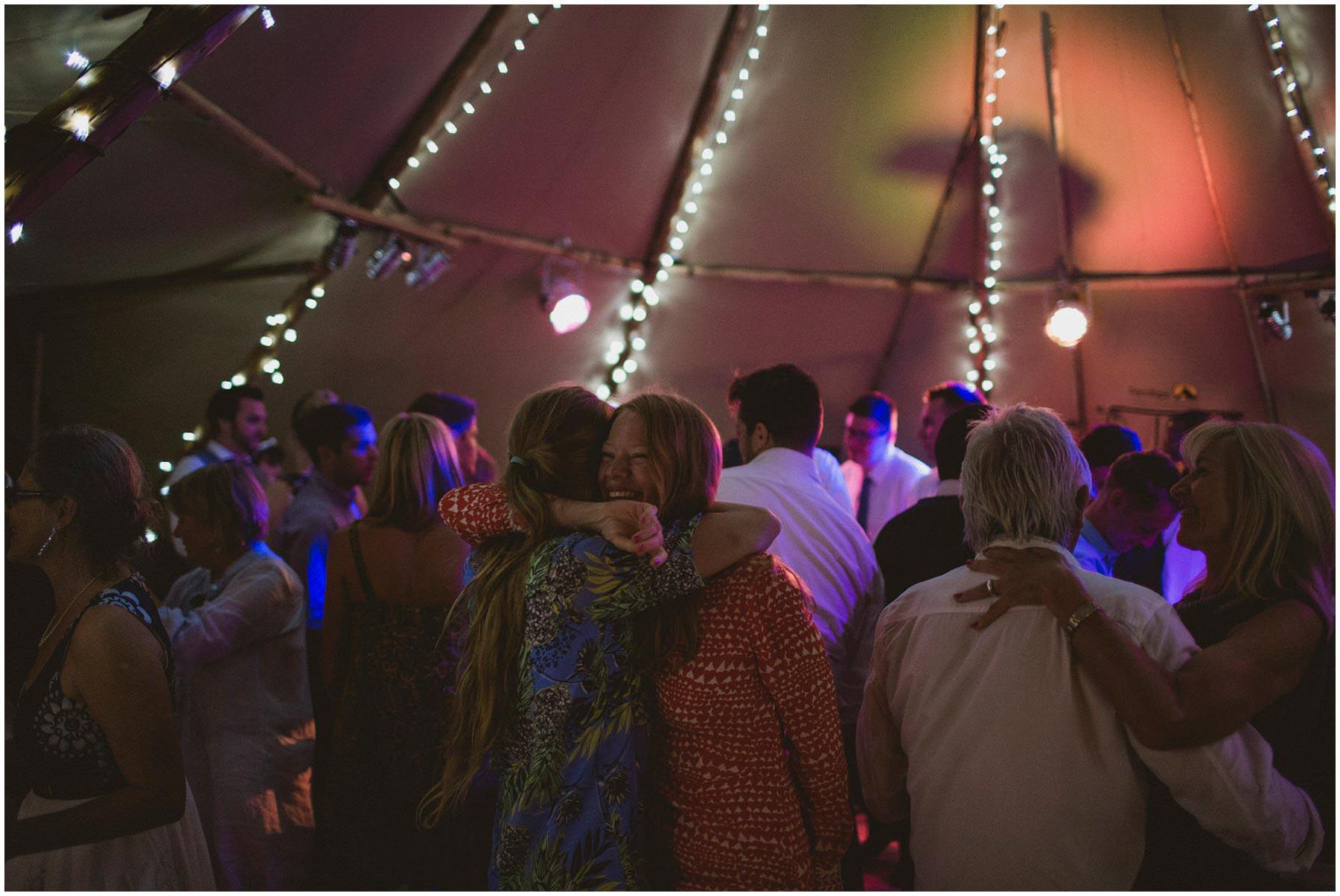 Kent-Festival-Tipi-wedding-photography_0202