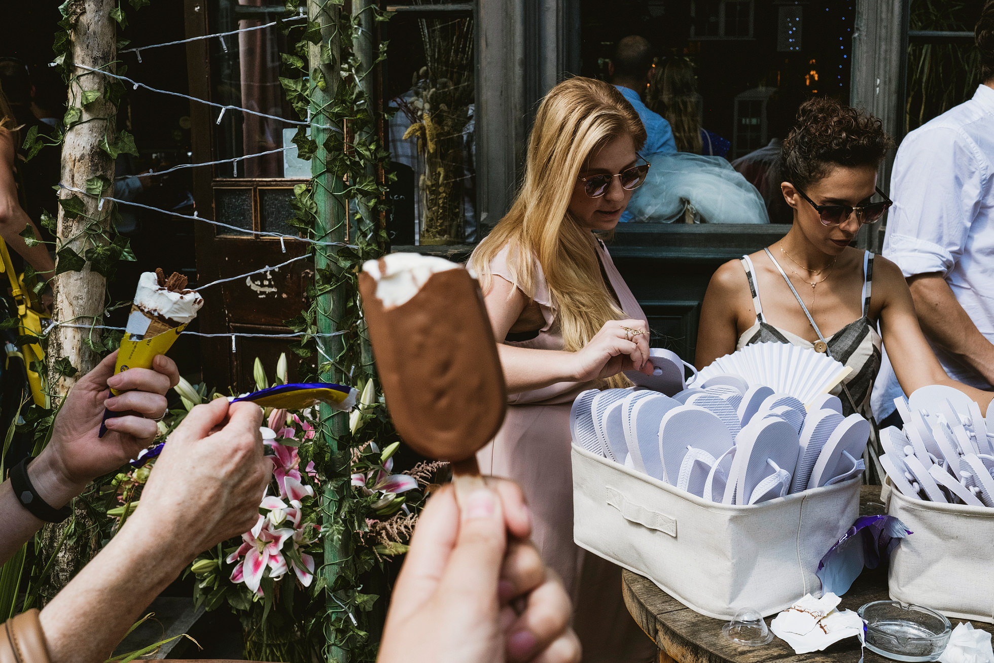 ice creams and flip-flops for weddings!
