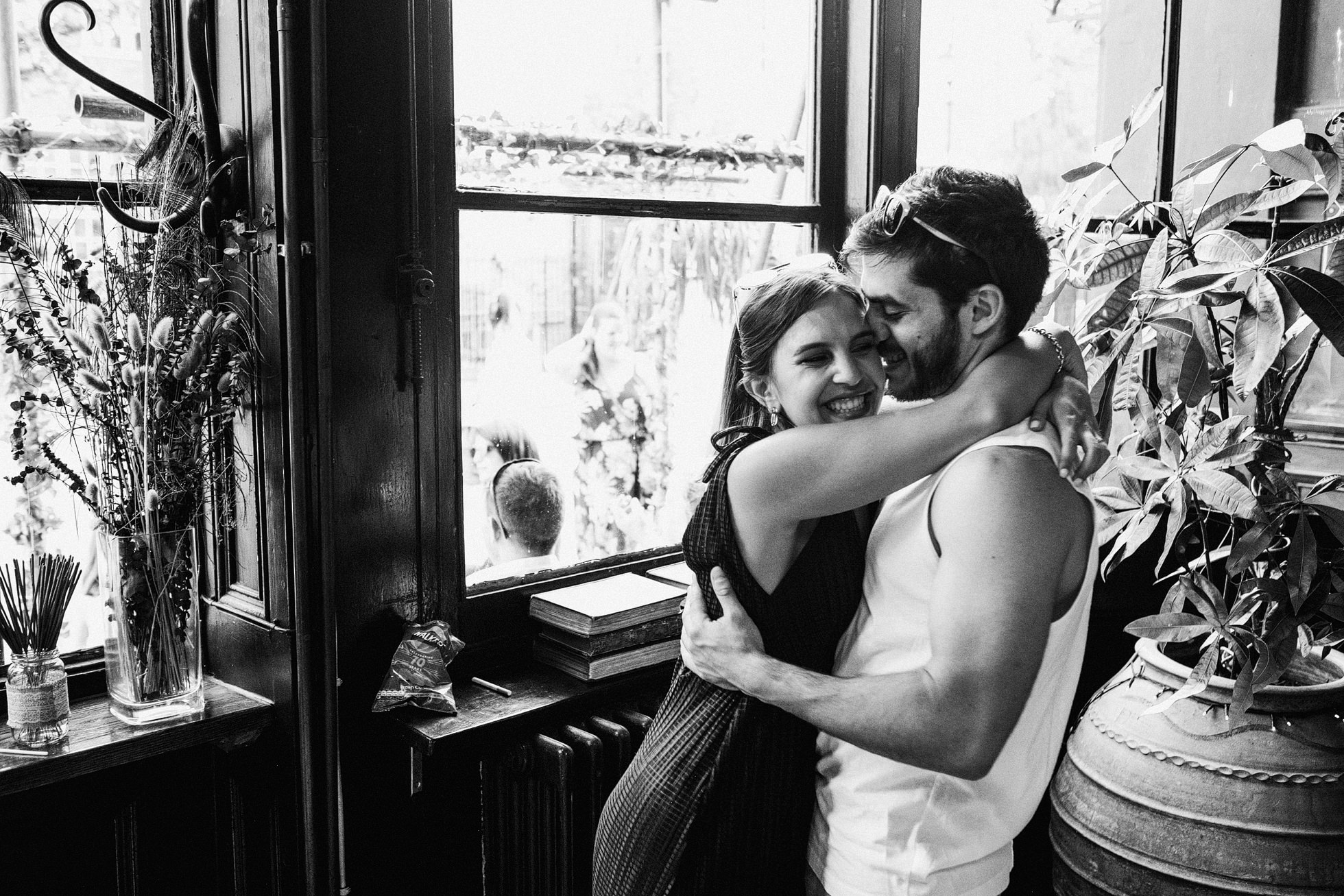 Island Queen Pub Wedding Photography