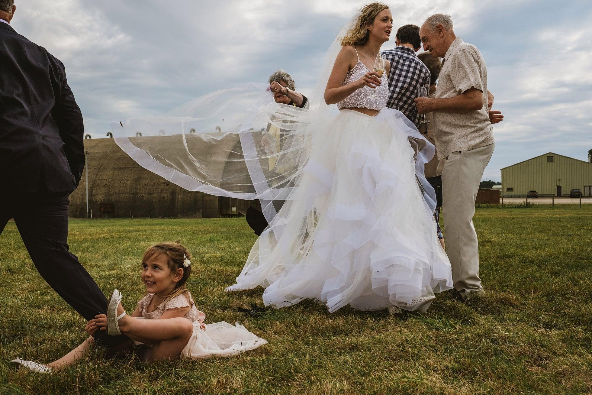 suffolk candid wedding photographer