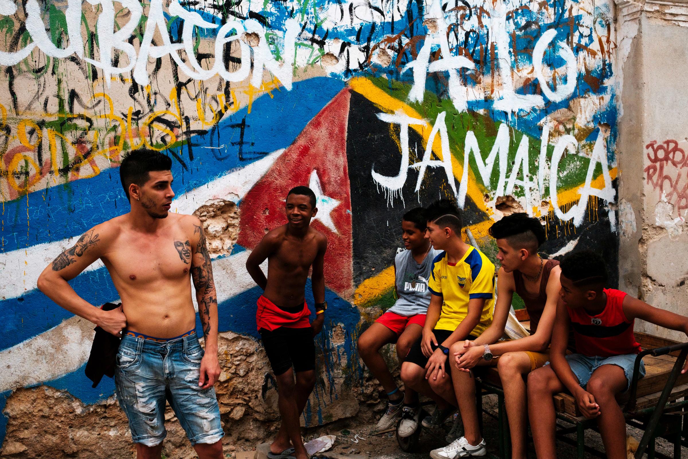 Cuba-Street-Photography-23