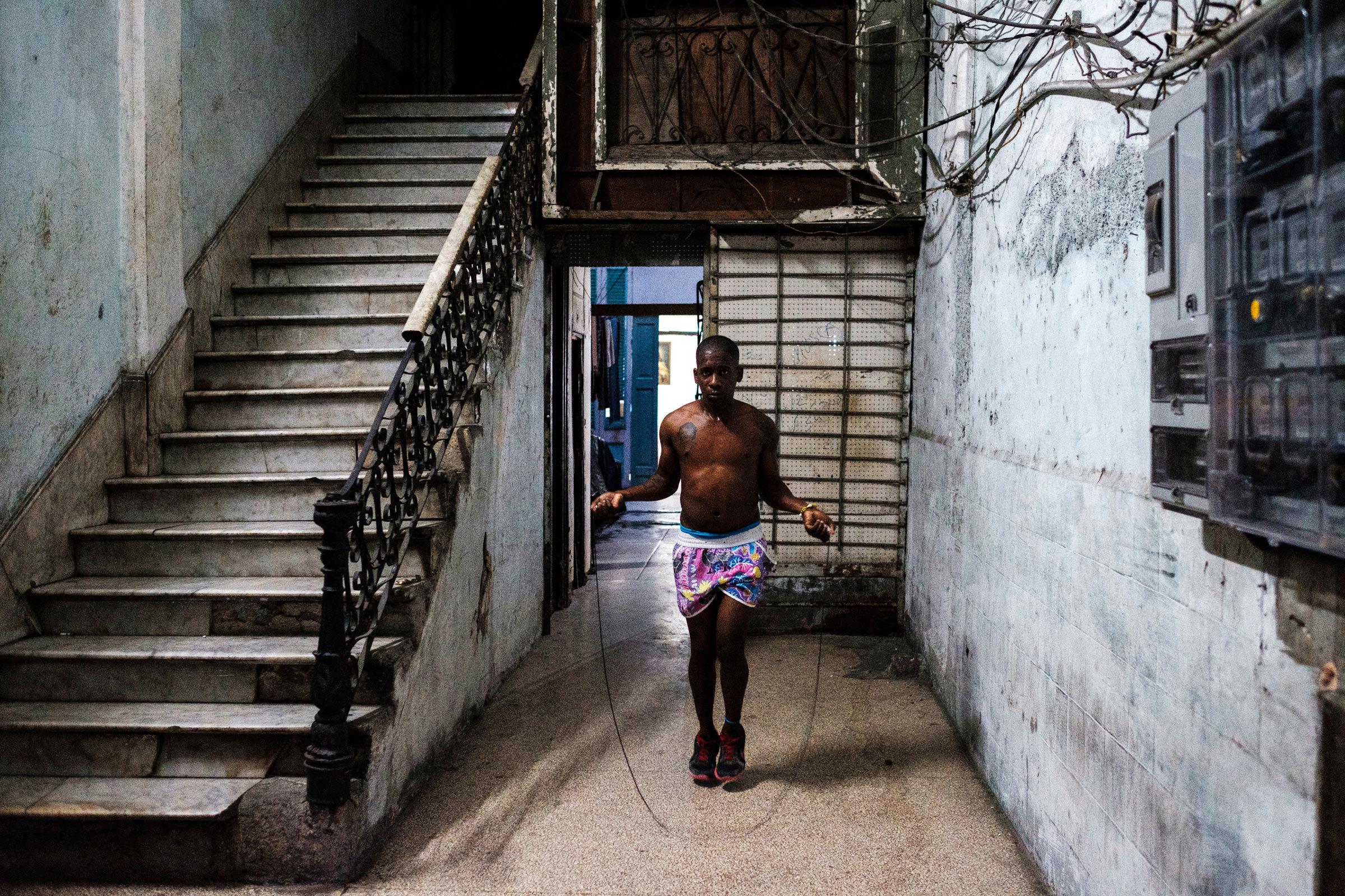 Cuba-Street-Photography-29