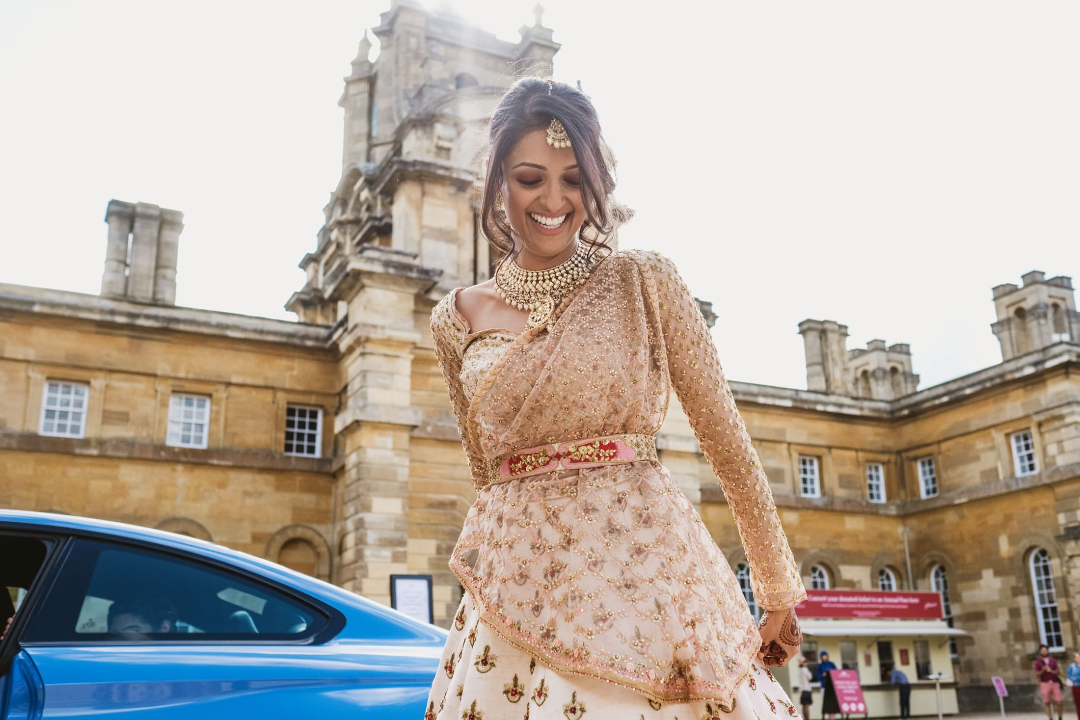 Bride arrived at Blenheim Palace