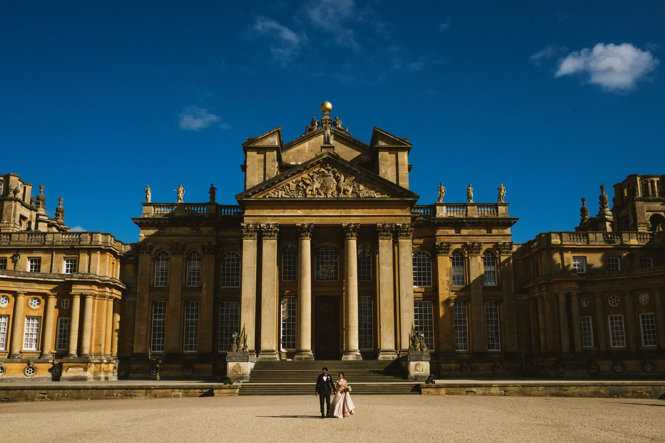 Blenheim Palace bride and groom portrait