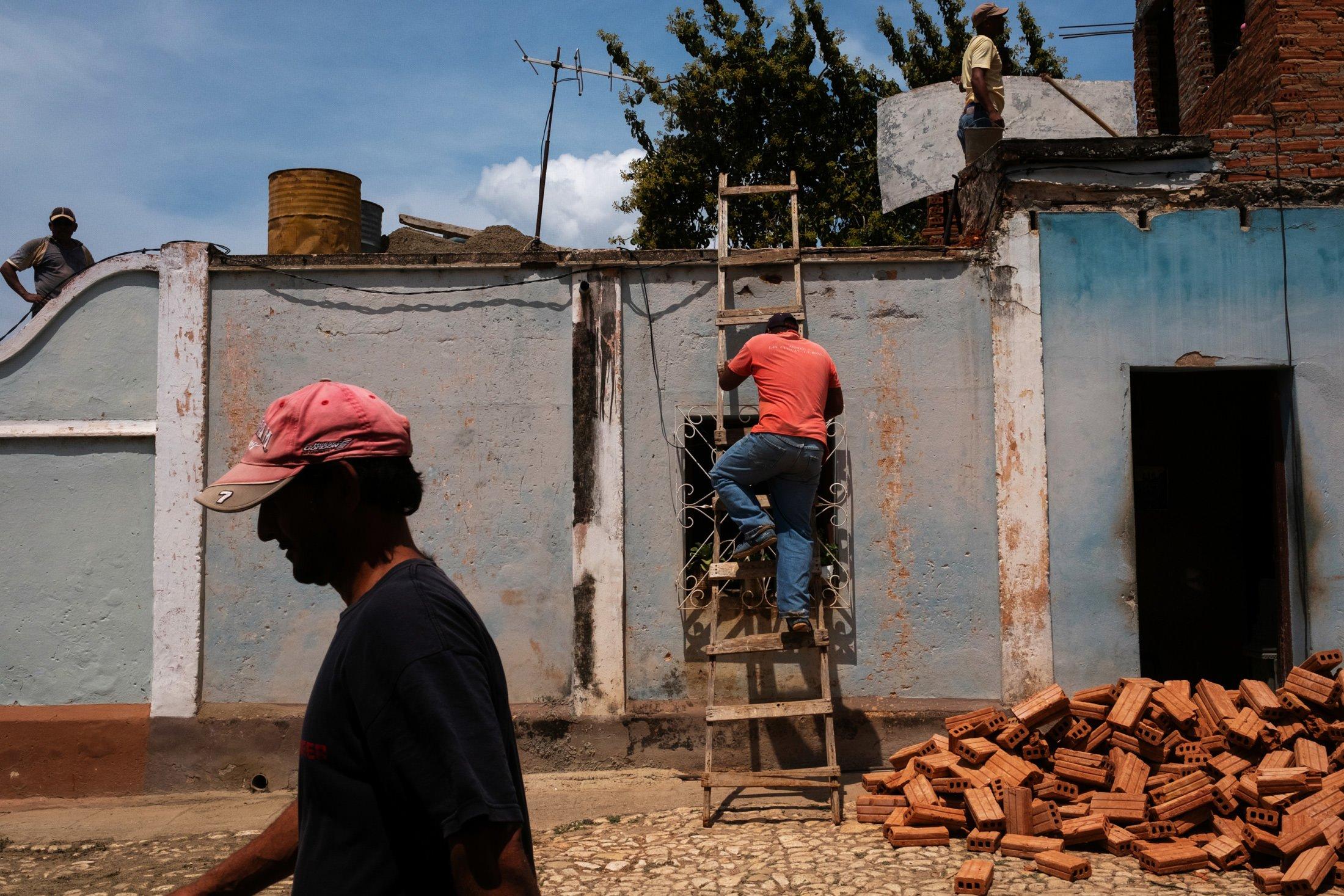 builders in Havana, Cuba