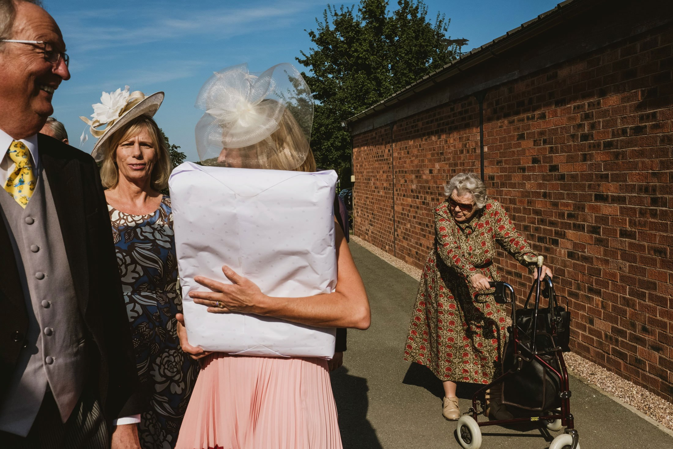 guests arriving at Cheshire weddingvenue