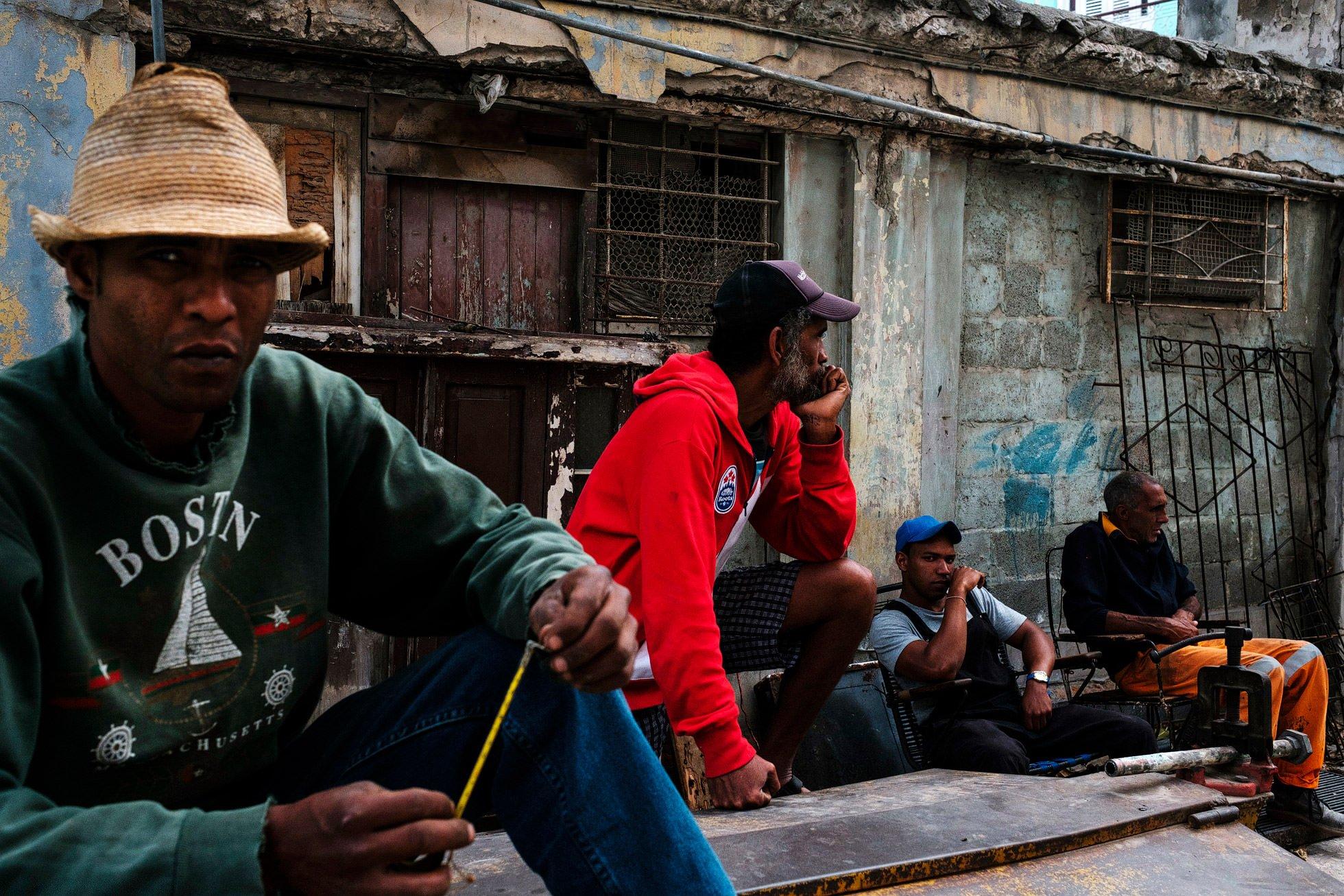 cuba street photography group of men